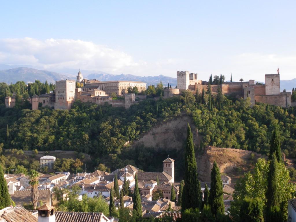 Vues sur la mosquée et sur les maisons typiques de l'Albaicin